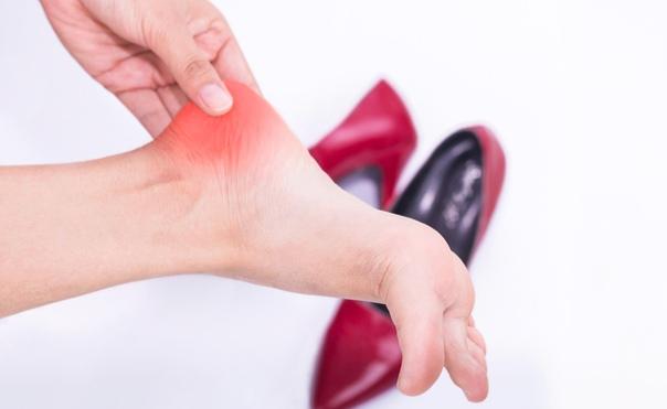 Причины Боли в пятках у женщин